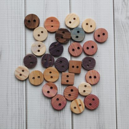la capitaine crochète boutons boiis faits main atelier saint-cerf